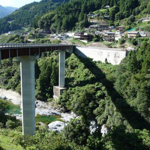 Höhenvergleich der Brücke