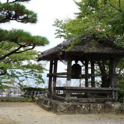 Glocke an der Burg Kōchi #1