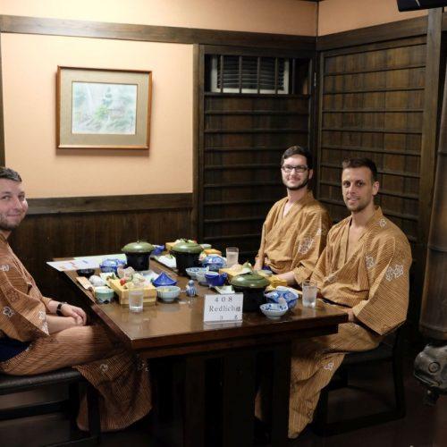 Gruppenfoto beim Abendessen